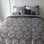 What are the benefits of using a comforter set